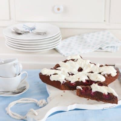 Schoko-Kirsch-Kuchen mit Cheesecake-Frosting