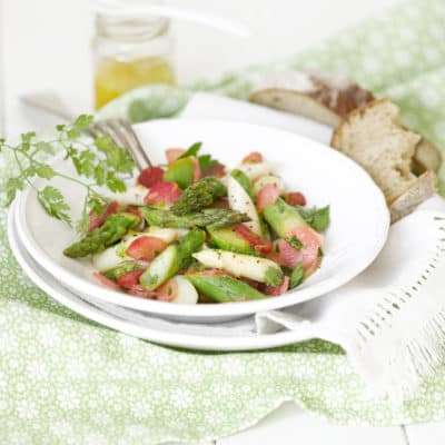 Lauwarmer Spargel-Rhabarber-Salat
