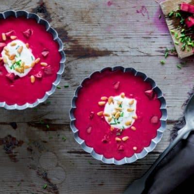 Rote-Bete-Suppe mit Kräuterschmand