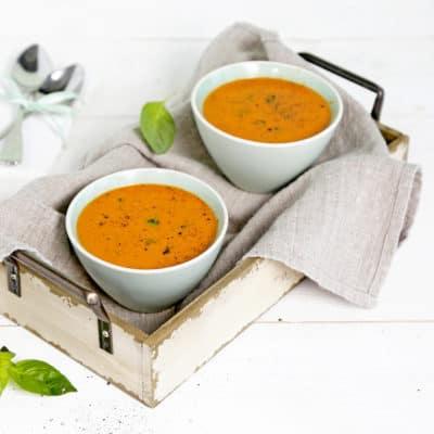 Vegane Tomatensuppe mit Kichererbsen