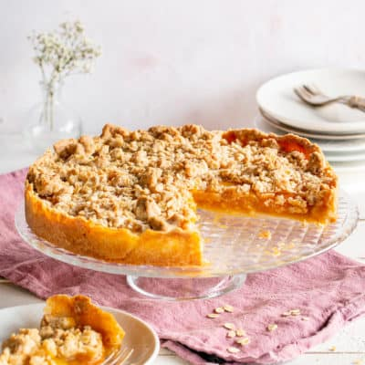 Aprikosenkuchen mit den knusprigsten Streuseln