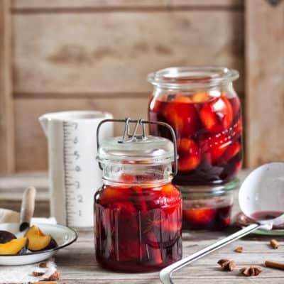 Rotweinpflaumen – einkochen und mehrere Monate genießen