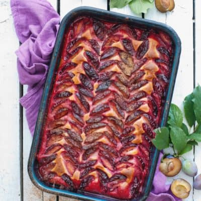 Zwetschgenkuchen mit Rührteig und einem Hauch Marzipan