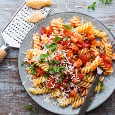 Tomatensoße und langweilig? Die beste Arrabbiata mit Wumms!
