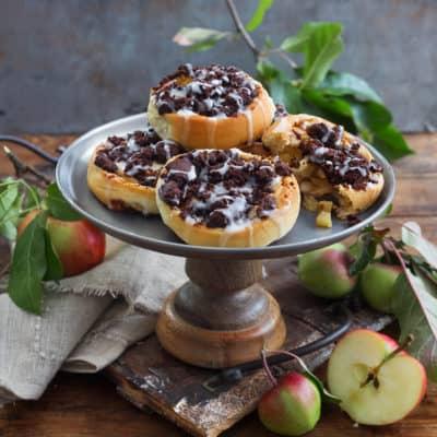 Apfel-Zimt-Schnecken mit extra großen Schokostreuseln